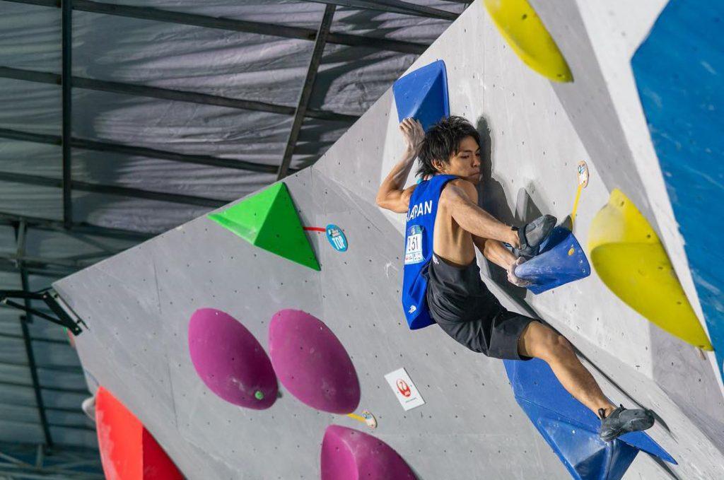 Escalador deportivo japonés Tomoa Narasaki